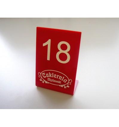 Numerek na stół plexi z logo 10x15cm, grubość 3mm