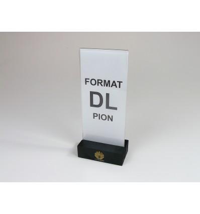Stojak z plexi z drewnianą podstawką i grawerem- format DL