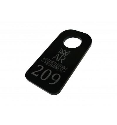 solidny mocny duży brelok z plexi czarnej 5x10 cm, grubość 5mm