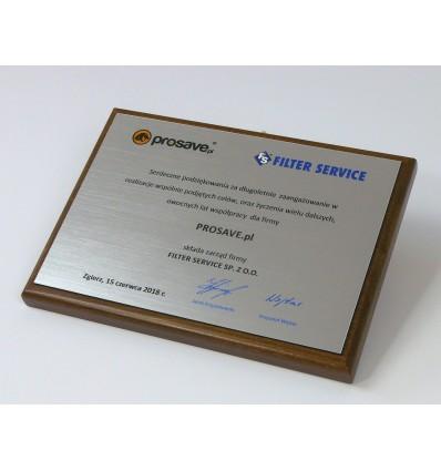 Dyplom okolicznościowy na drewnianym podkładzie, nadruk na laminacie grawerskim - format A5 poziom