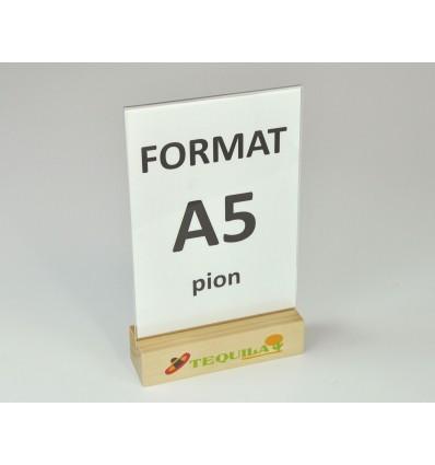 Stojak z plexi z drewnianą podstawką i nadrukiem UV - format A5