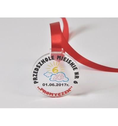 Medal plexi z nadrukiem UV 6x6cm grubość 4mm ze wstążką