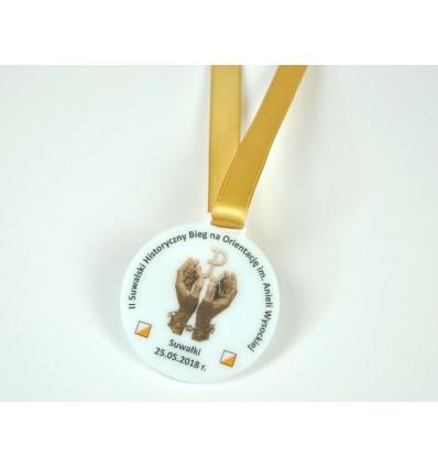 Medal plexi mleczna z nadrukiem UV 6x6,5cm grubość 3mm ze wstążką